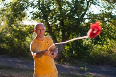 Федоренко Павел с гибким оружием шенбьяо в детском летнем лагере Альбатрос